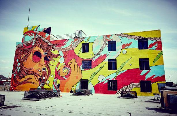 Oeuvre du duo de muralistes Bicicleta Sem Freio, qui sera au festival MURAL cette année.